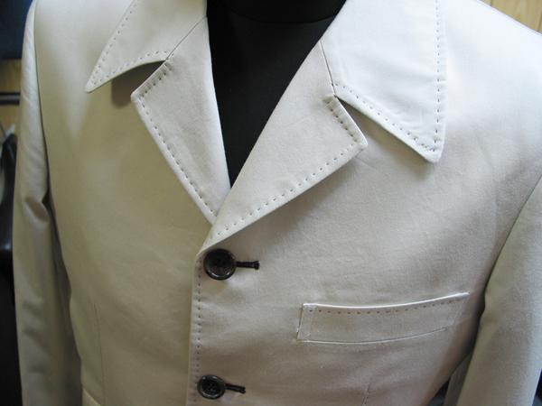 オフホワイト・コットンのバルカラージャケット