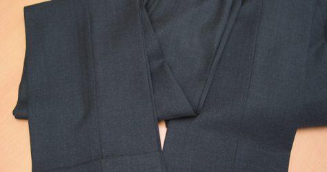 ツーパンツスーツ