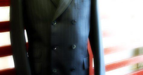 オールインラインのダブル6釦3掛けスーツ