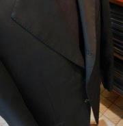 3釦段返りスーツ